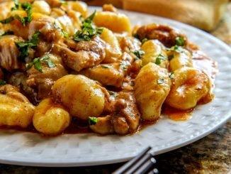 ñoquis salsa pollo