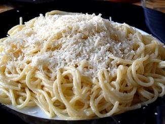 vermicelli con salsa dos quesos